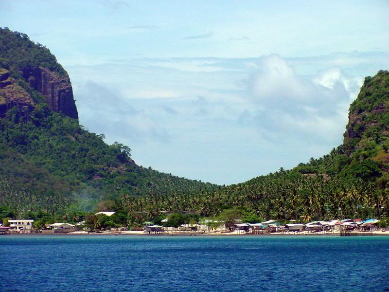חוף טאמביסאן (Tambisaan Beach)